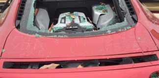 Жена разбила Audi A8 мужа из ревности