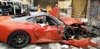 Парковщик разбил Ferrari за 320 000 евро