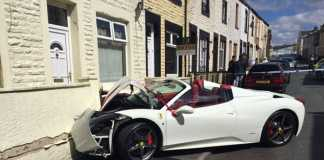 Разбитая Ferrari 458 Spider