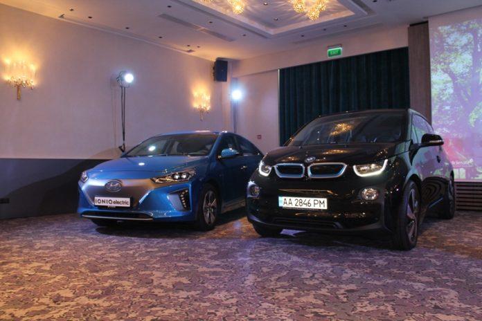 Электромобили Hyundai Ioniq Electric и BMW i3