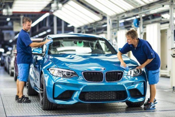Сборочная линия BMW в Германии