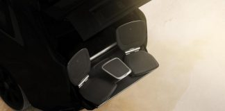 Выдвигающие кресла внедорожника Rolls-Royce Cullinan